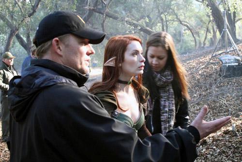 Фелиция Дэй на съёмочной площадке сериала «Dragon Age: Redemption»