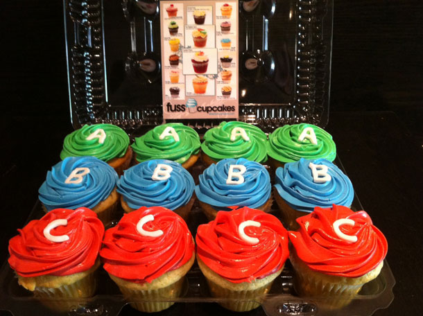 mass_effect_3_cupcakes_delivered3.jpg